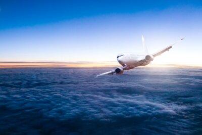 Наклейка Коммерческий реактивный самолет пролетел над облаками