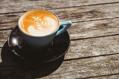 Наклейка Чашка капучино с кофе искусства на деревянный стол