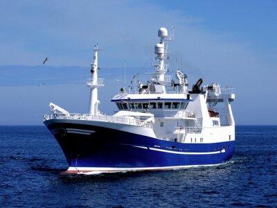 Наклейка Промысловое судно P1, Промысловое судно идет в порт на землю рыбу.