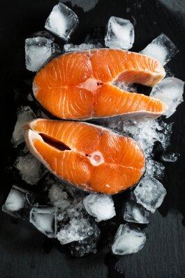 Наклейка Свежие кусочки лосося на льду