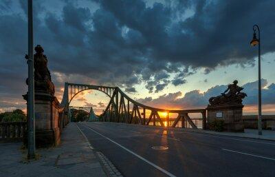 Наклейка Glieneker мост