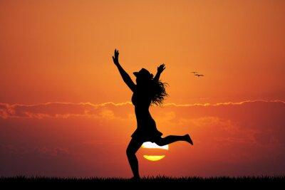 Наклейка счастливая девушка на закате