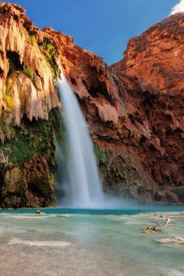 Наклейка Хавасу-Фолс, на закате, водопады в Гранд-Каньон, Аризона