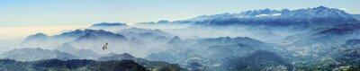 Наклейка Hochgebirge mit Gänsegeier im Nebel (Picos de Europa, Asturien, Spanien)