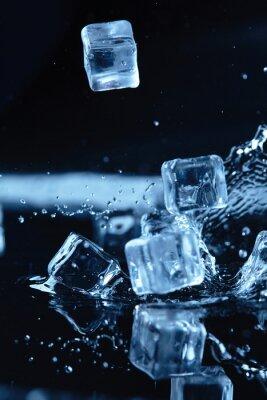 Наклейка кубики льда с всплеск воды