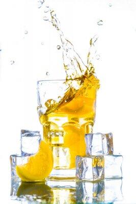Наклейка Холодный чай с лимоном всплеск
