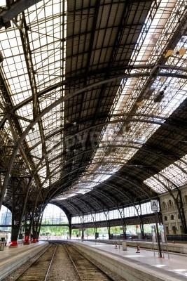 Наклейка Интересно железнодорожная станция внутри фото