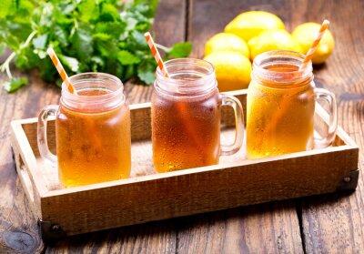 Наклейка банки с лимоном чай со льдом