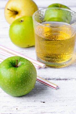 Наклейка сок зеленого яблока