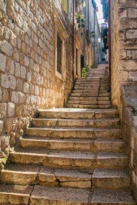 Наклейка Узкие улицы и лестницы в Старом городе в Дубровнике, Хорватия, средиземноморский окружающей среды