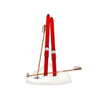 Наклейка Старые деревянные лыжи и старые лыжные палки, стоя в снегу