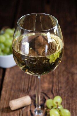 Наклейка Старый деревянный стол с белым вином