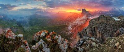 Наклейка Панорама драматических закат в доломиты вершину горы от вершины NUV
