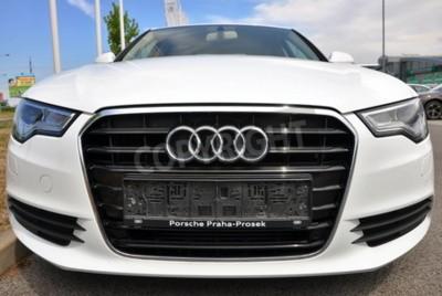 Наклейка Прага, Чешская Республика, 02.08.2015 - Новый белый Audi A6 парки перед Автомобиль магазин Audi