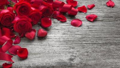 Наклейка Розы на деревянной доске