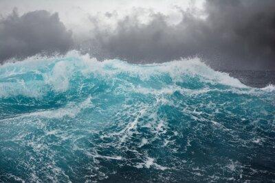Наклейка морская волна в Атлантическом океане во время шторма