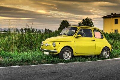 Наклейка Небольшой старинный итальянский автомобиль Fiat Abarth