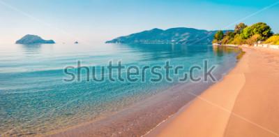 Наклейка Потрясающий вид на море на острове Закинф (Занте). Солнечный весенний морской пейзаж Ионического моря, Греция, Европа. Концепция красоты природы.