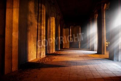 Наклейка Камень аркой в старом здании