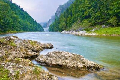 Наклейка Камни на берегу реки в горах. Дунайца