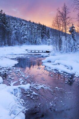Наклейка Восход солнца над рекой зимой возле Леви, в финской Лапландии