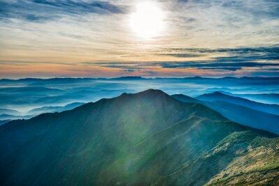 Наклейка Закат в горах