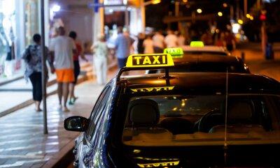 Наклейка знак такси в ночное время