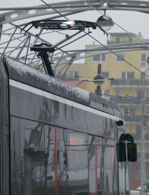 Наклейка Разряды на трамвае на тележке со льдом