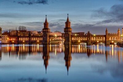 Наклейка Река Шпрее и Oberbaumbruecke в Берлине на рассвете