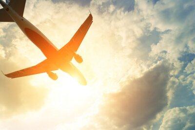 Наклейка Тонированное фото коммерческих самолетов на солнце