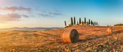 Наклейка Тоскана пейзаж с дом на ферме, на закате, Val d'Orcia, Италия