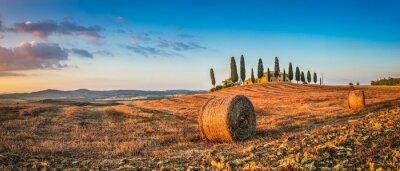 Наклейка Тоскана пейзаж с фермы дом на закате, Val d'Orcia, Италия