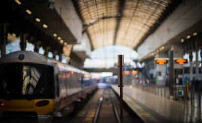 Наклейка В ожидании поезда
